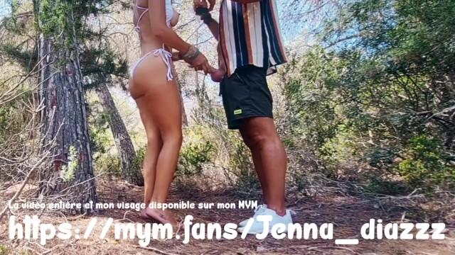 Jenna Diazzz baisée sur une plage à Ibiza